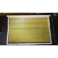Рамка сосновая в сборе 435х300 мм со стальной проволокой и вощиной